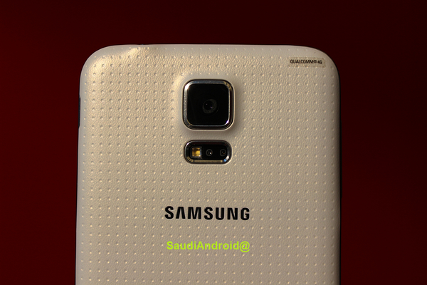 Galaxy S5 Camera and Flash